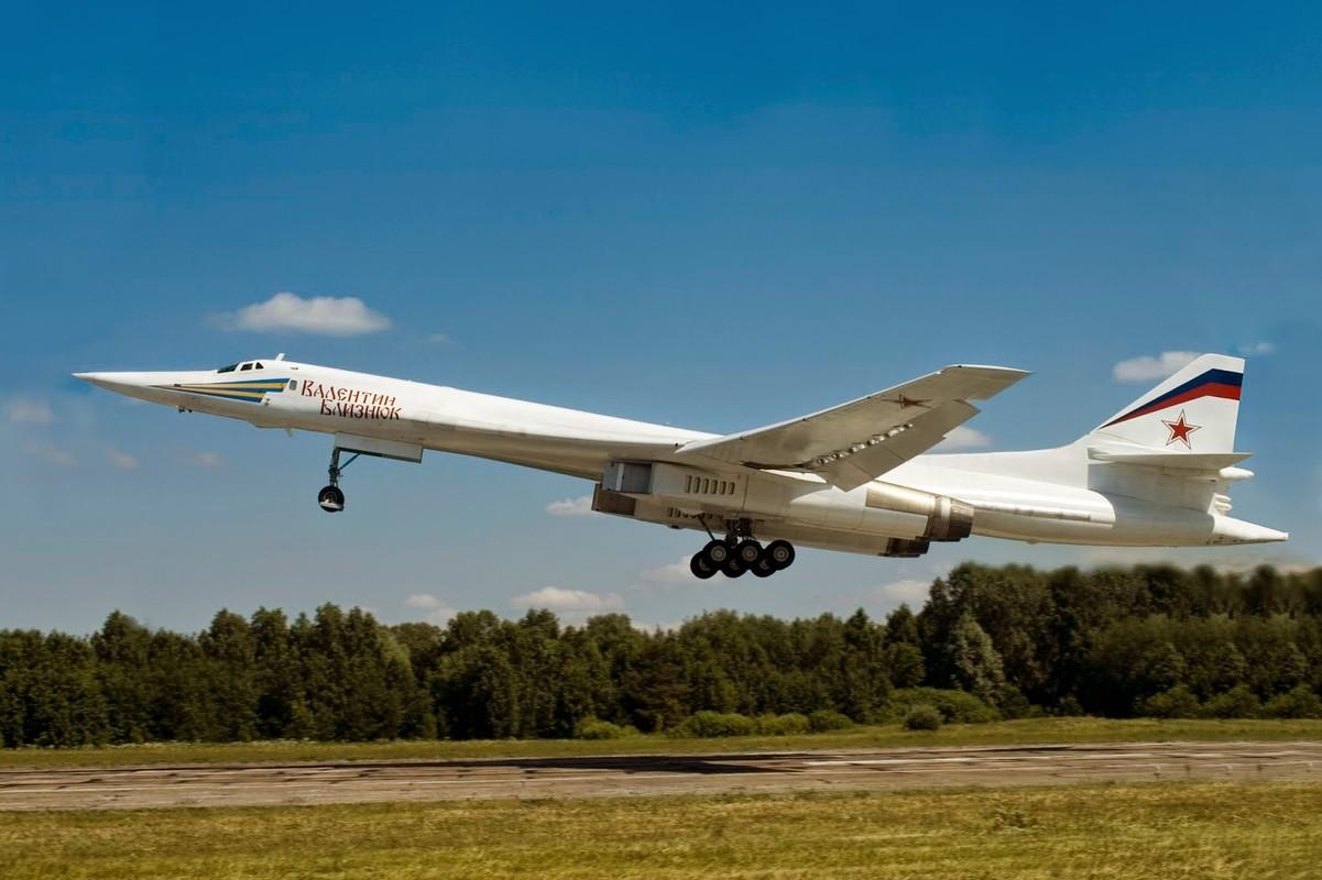 Tu-160 cua Nga duoc trang bi dong co moi voi uy luc gap boi-Hinh-6