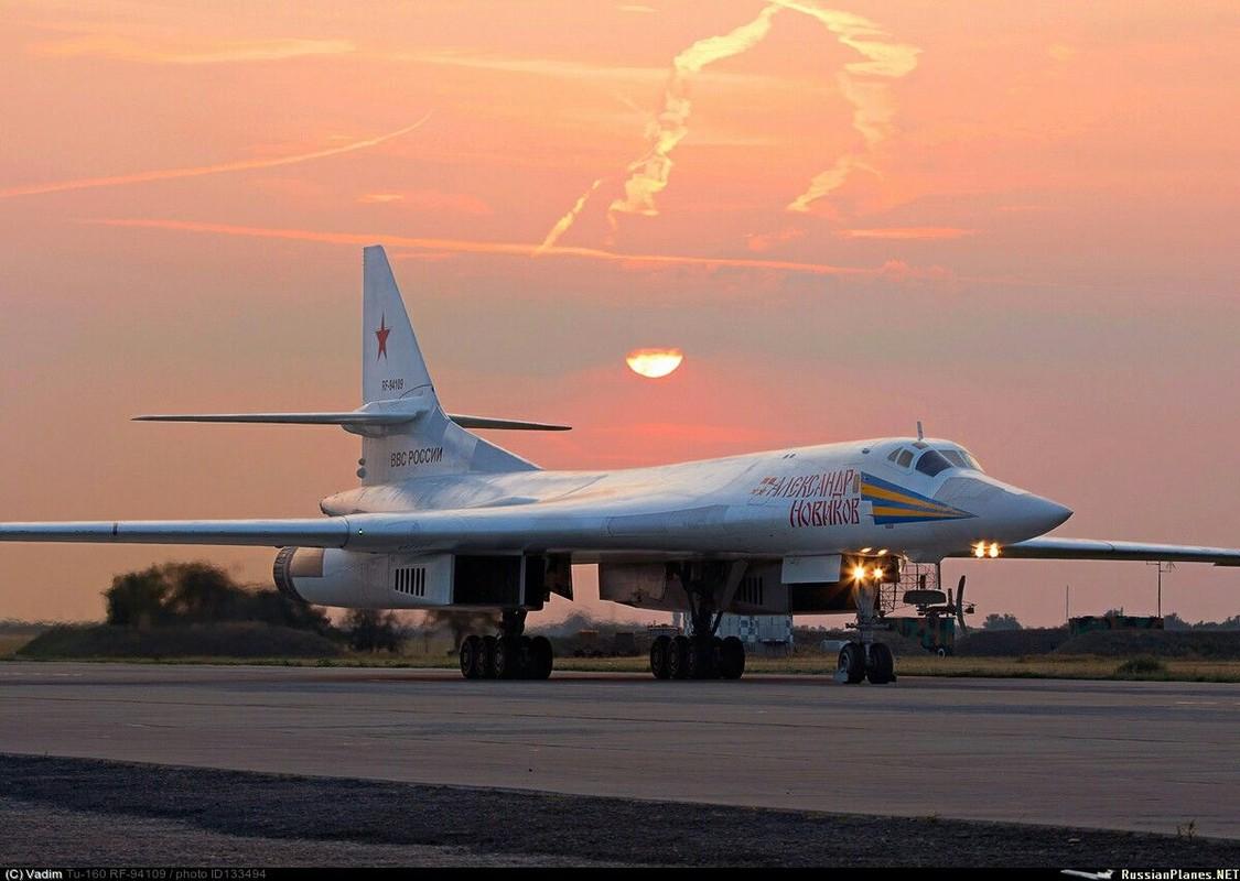 Tu-160 cua Nga duoc trang bi dong co moi voi uy luc gap boi-Hinh-7