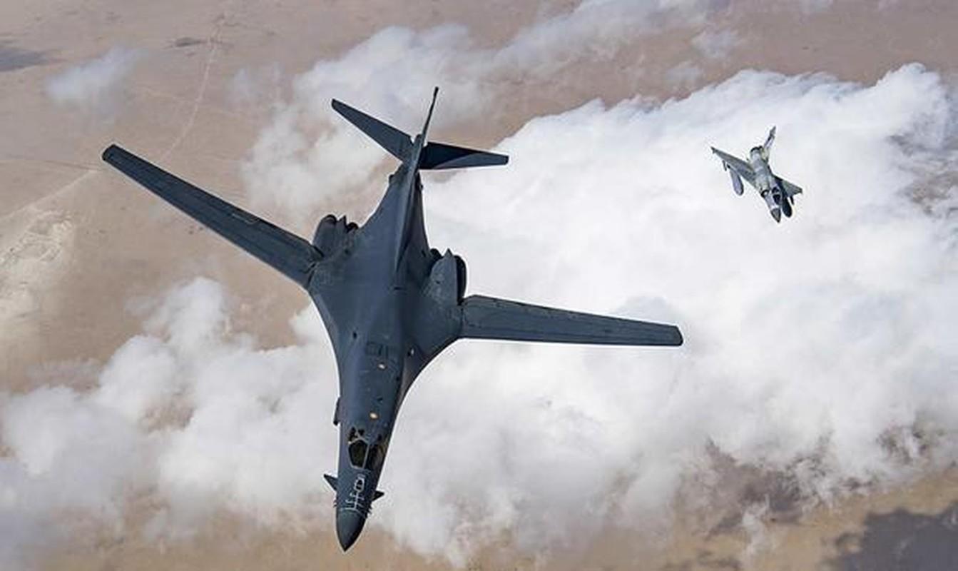 B-1B Lancer My ha canh thang len tuyet, gui loi thach thuc toi Nga-Hinh-19