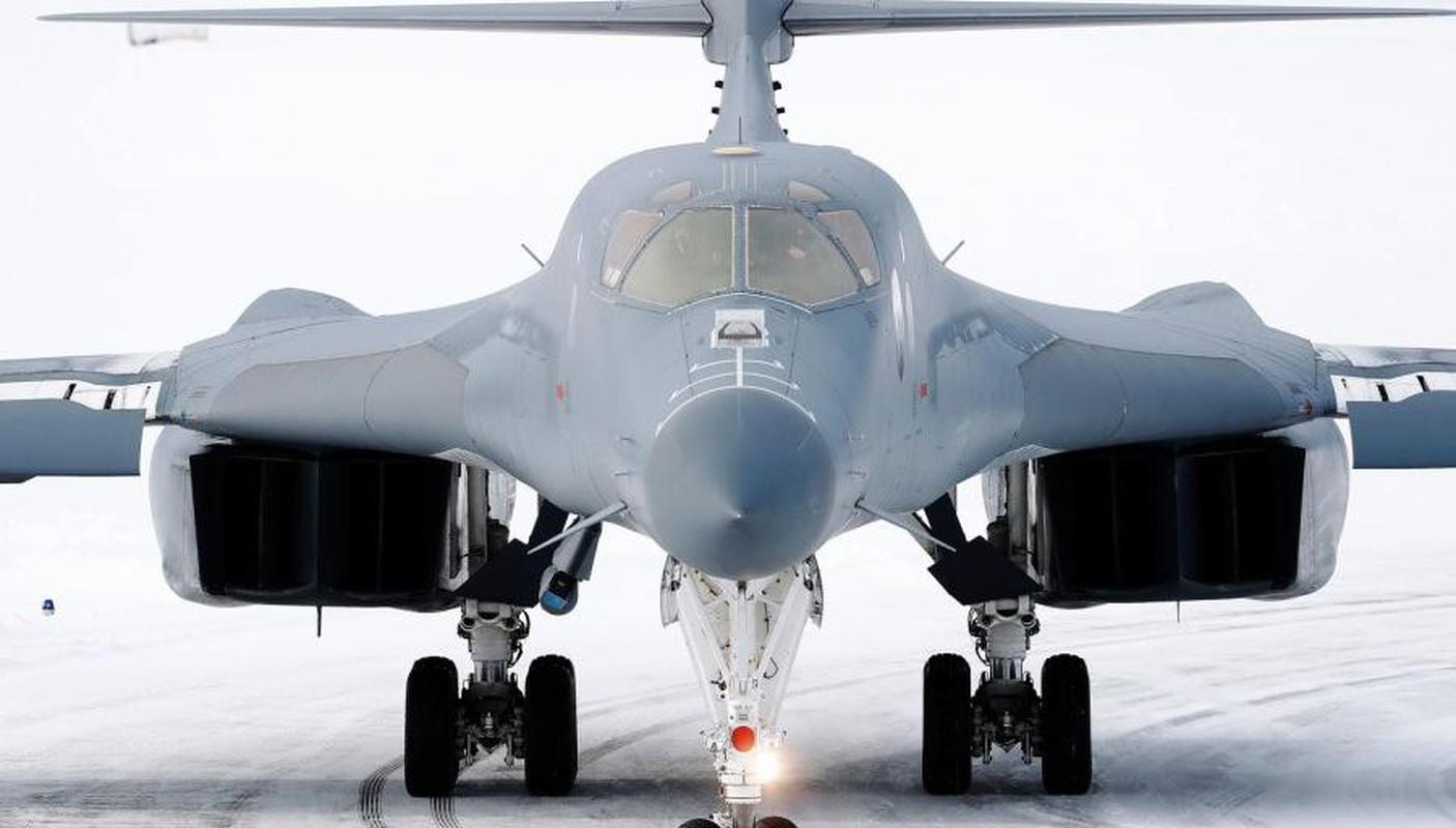 B-1B Lancer My ha canh thang len tuyet, gui loi thach thuc toi Nga-Hinh-6