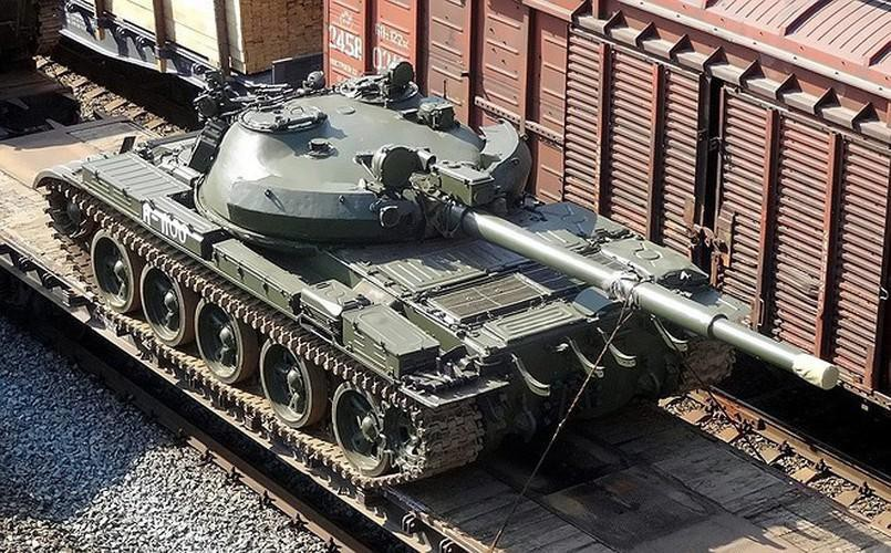 Nga se chuyen 100 xe tang cho dan quan mien Dong Ukraine neu Kiev tan cong?-Hinh-14