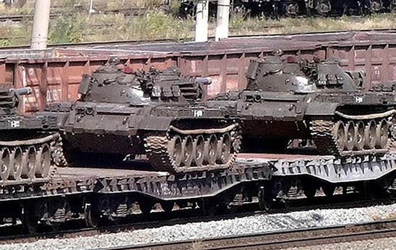 Nga se chuyen 100 xe tang cho dan quan mien Dong Ukraine neu Kiev tan cong?-Hinh-15