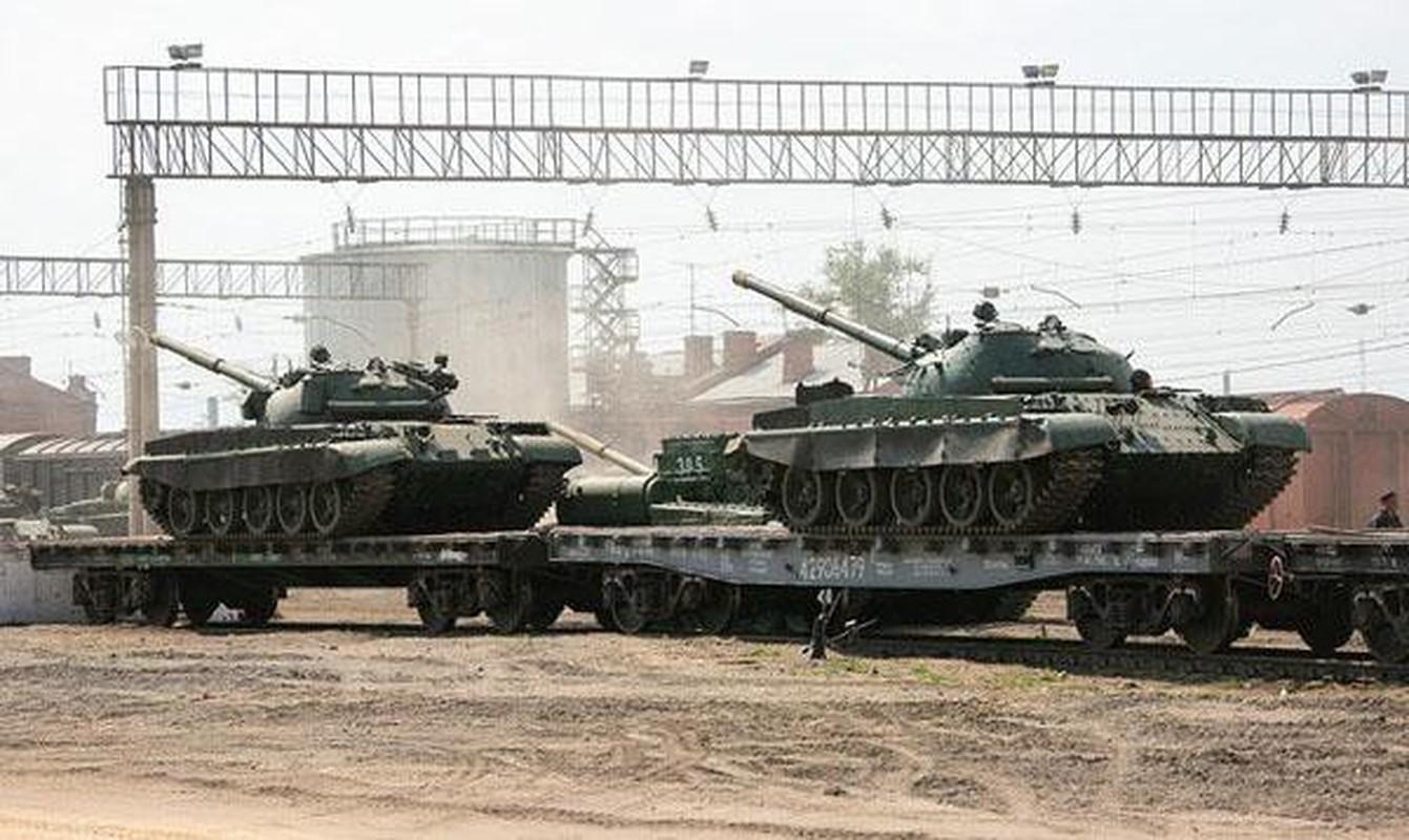 Nga se chuyen 100 xe tang cho dan quan mien Dong Ukraine neu Kiev tan cong?-Hinh-8