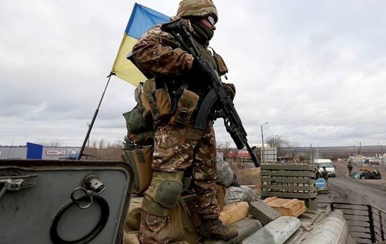Linh Ukraine gan Donbass canh giac cao, tinh hinh