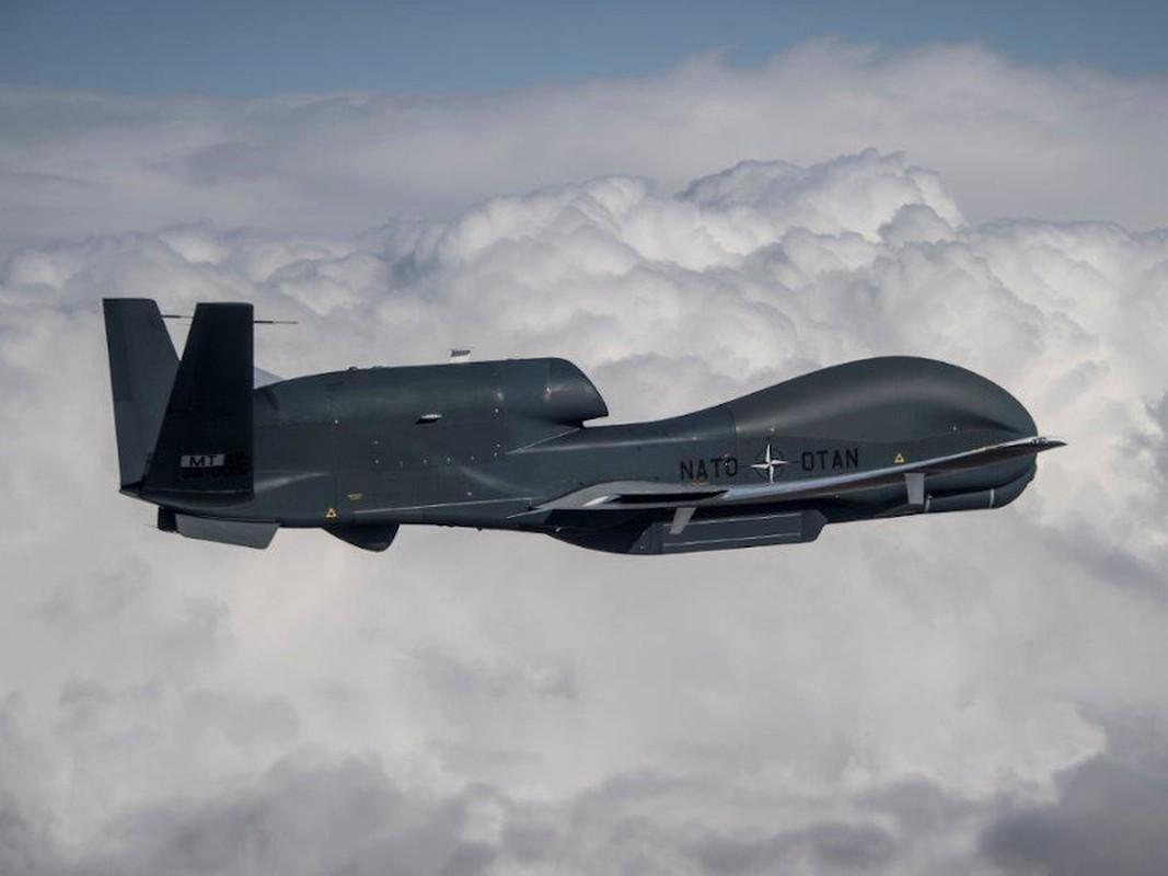 UAV 800 trieu USD cua Duc