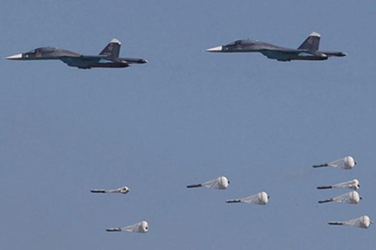 Chien dau co Su-34 Nga doi bom, nua tinh Idlib chim trong bien lua-Hinh-7