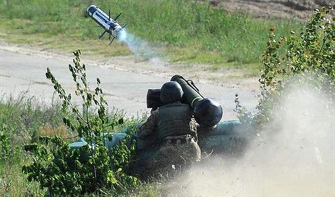Ten lua Javelin cua Ukraine san sang huy diet T-72B3 ly khai-Hinh-15