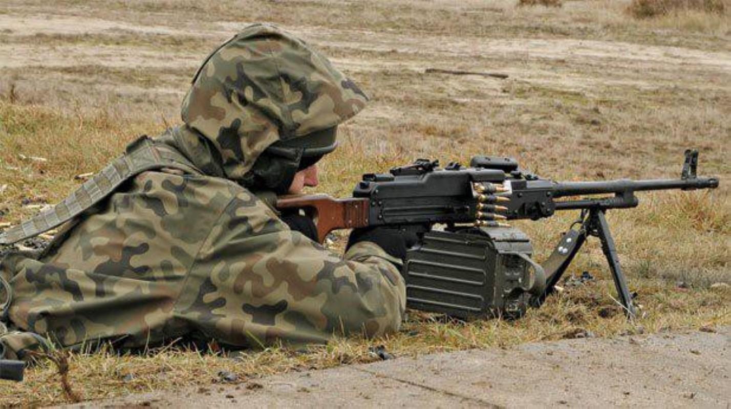 Nga chuyen 'sat thu diet bo binh' cho phe ly khai Ukraine-Hinh-13