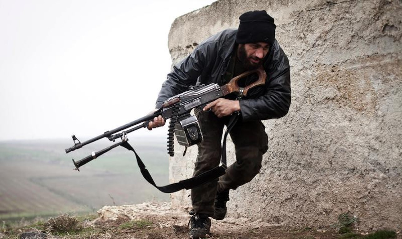 Nga chuyen 'sat thu diet bo binh' cho phe ly khai Ukraine-Hinh-17