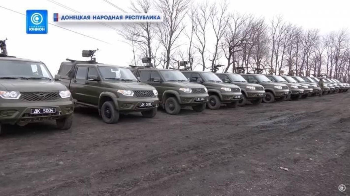 Nga chuyen 'sat thu diet bo binh' cho phe ly khai Ukraine-Hinh-2