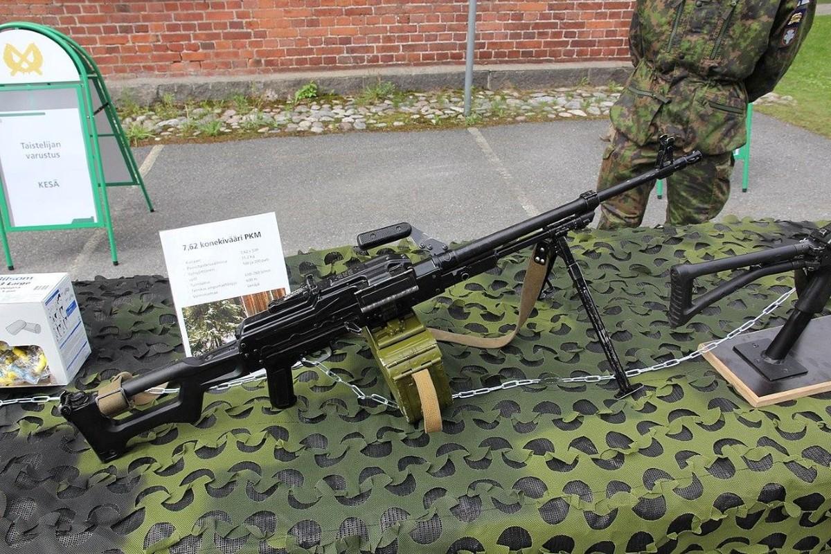 Nga chuyen 'sat thu diet bo binh' cho phe ly khai Ukraine-Hinh-26