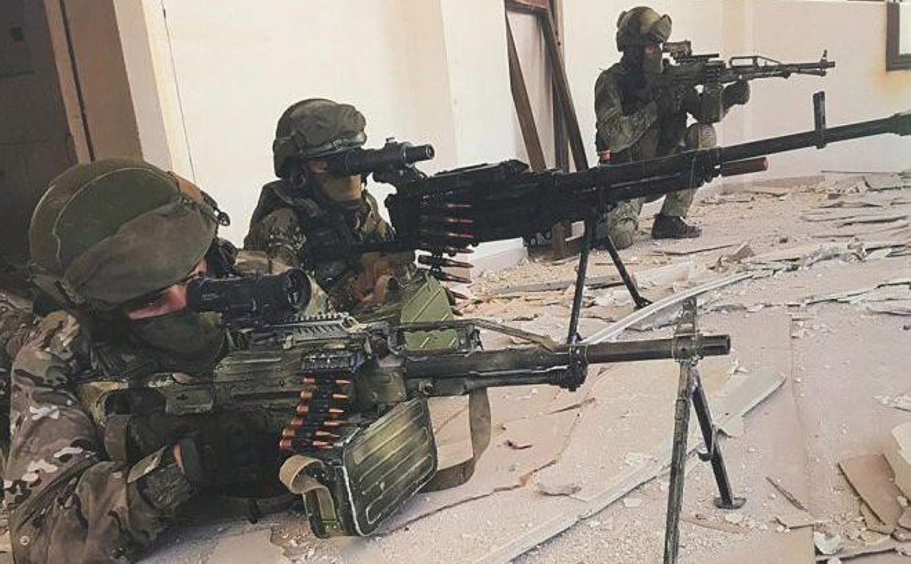 Nga chuyen 'sat thu diet bo binh' cho phe ly khai Ukraine-Hinh-29