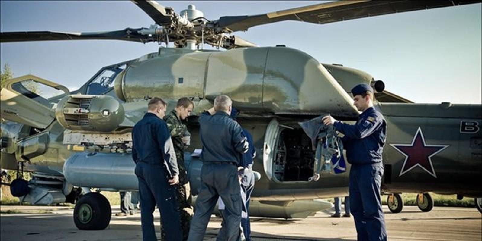 Tho san dem Mi-28N san sang huy diet xe tang Ukraine neu vuot lan ranh do-Hinh-17