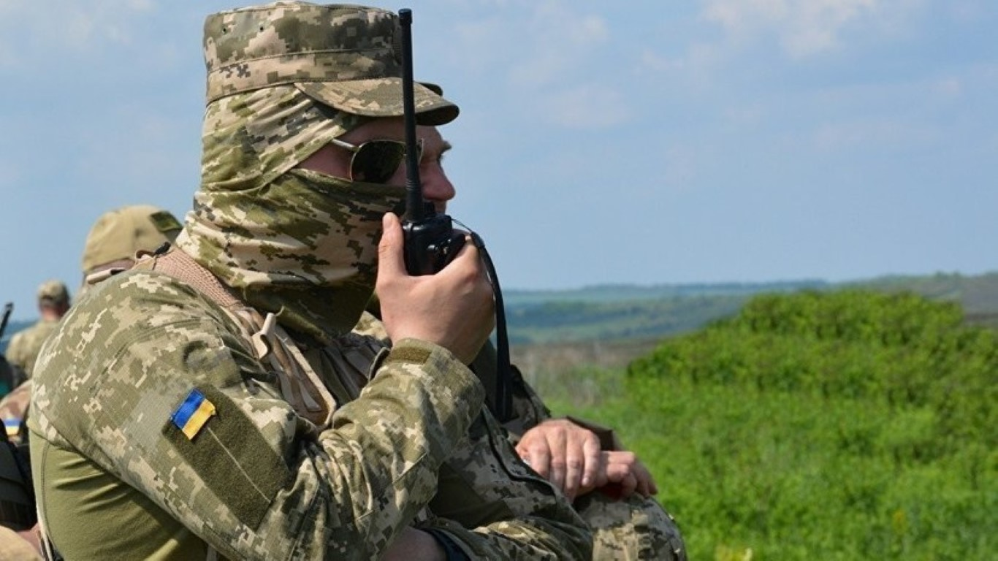 NATO gui 37.000 quan toi gan Crimea, tinh hinh cang nhu day dan-Hinh-3