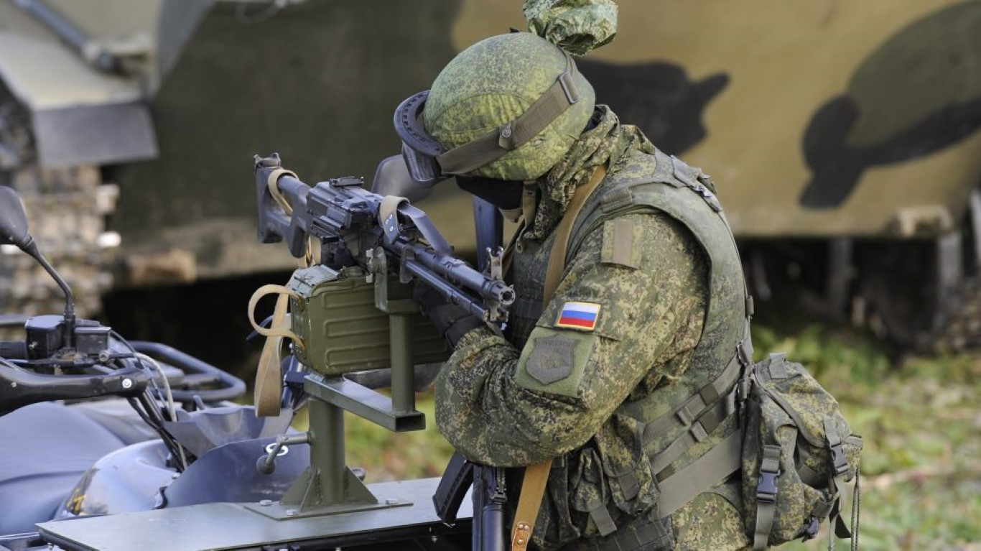 NATO gui 37.000 quan toi gan Crimea, tinh hinh cang nhu day dan-Hinh-5