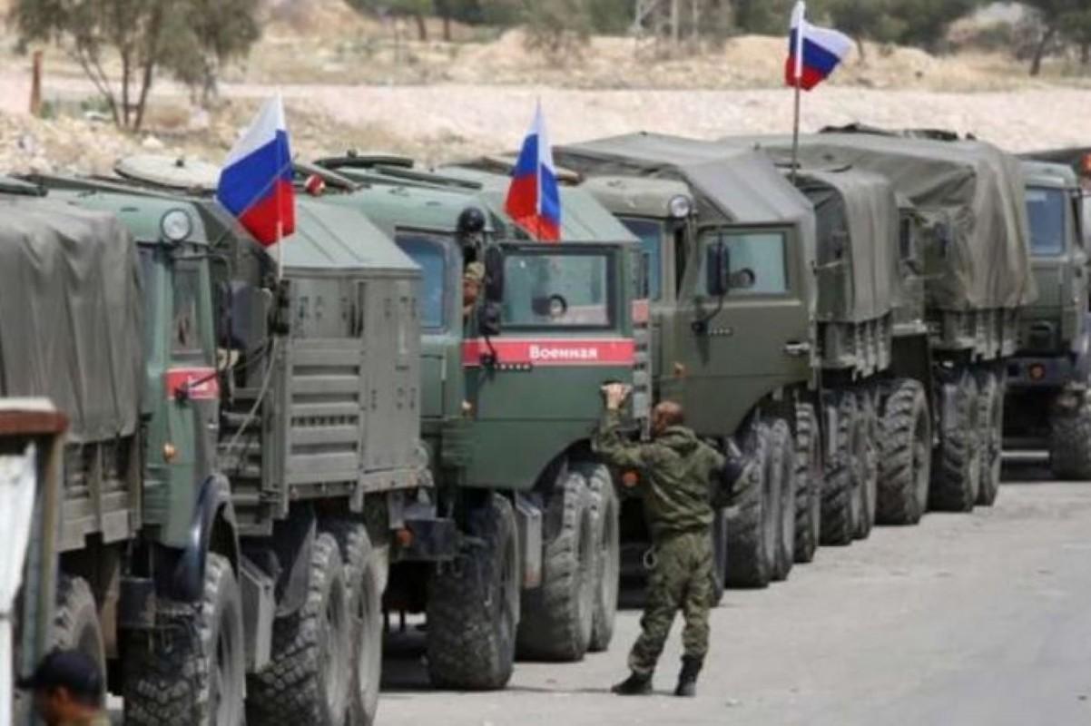 NATO gui 37.000 quan toi gan Crimea, tinh hinh cang nhu day dan-Hinh-7