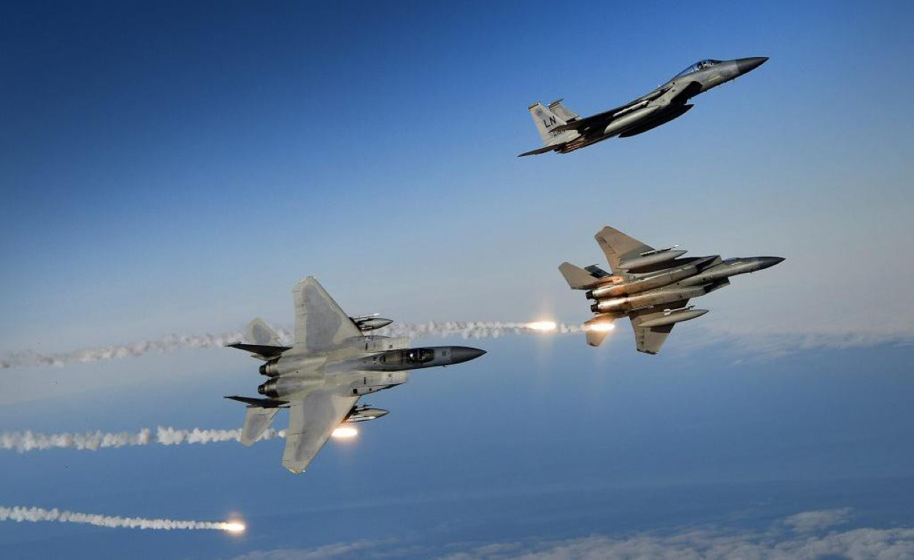 My trinh lang tiem kich 'Dai bang II', doi thu dang gom cua Su-35S-Hinh-19