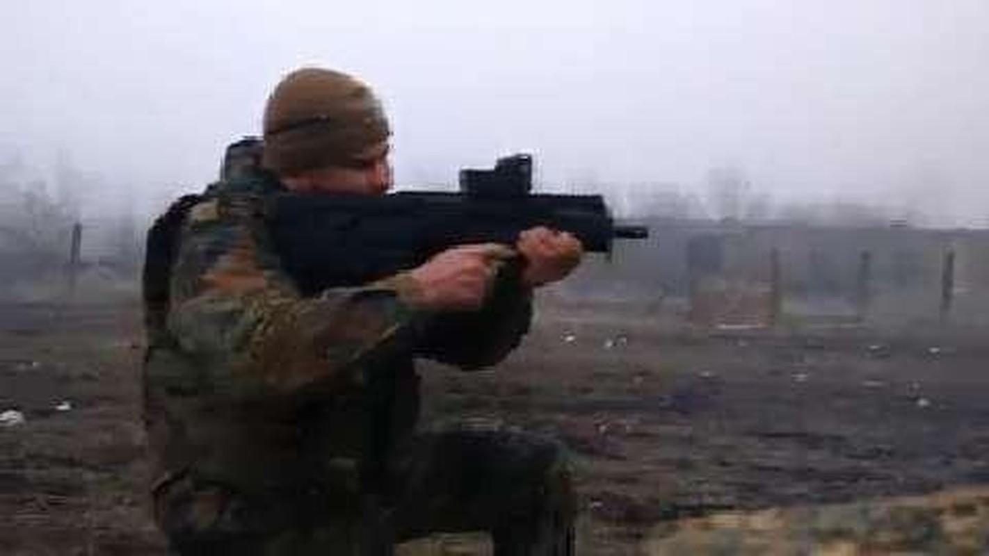 Ukraine su dung sung truong tan cong hien dai nhat the gioi tai mien Dong-Hinh-4