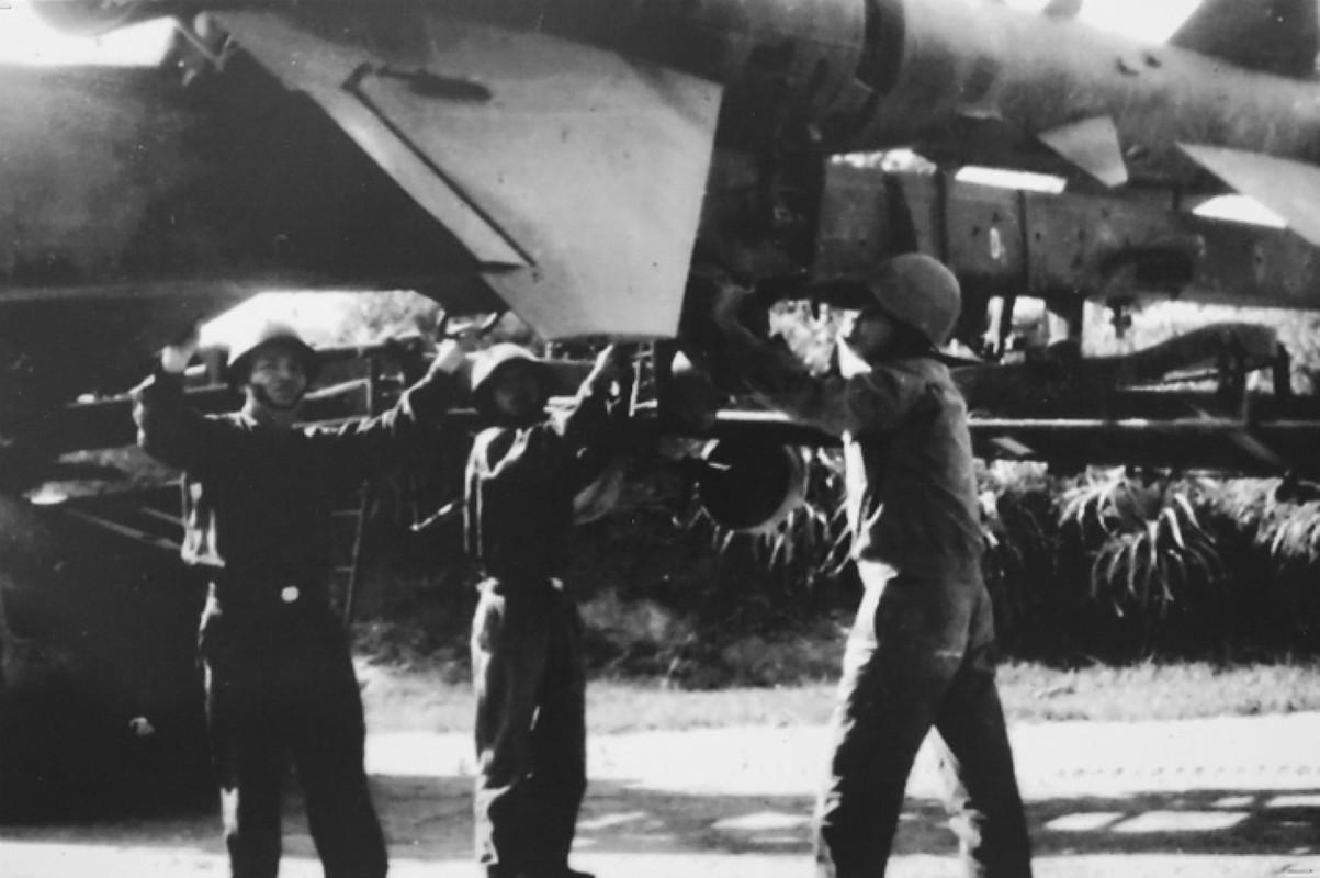 Tran Dien Bien Phu tren khong keo dai bao lau thi B-52 tuyet chung?-Hinh-12