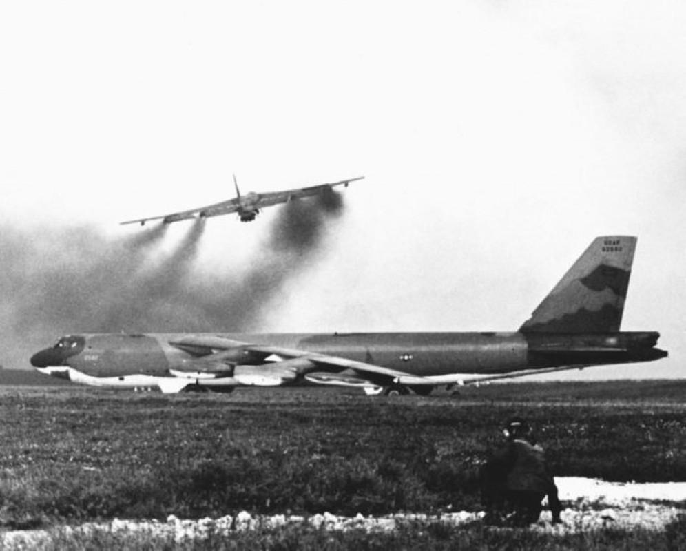Tran Dien Bien Phu tren khong keo dai bao lau thi B-52 tuyet chung?-Hinh-6
