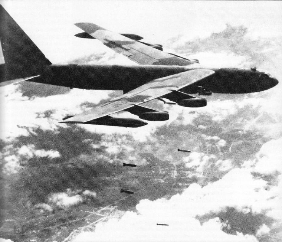 Tran Dien Bien Phu tren khong keo dai bao lau thi B-52 tuyet chung?
