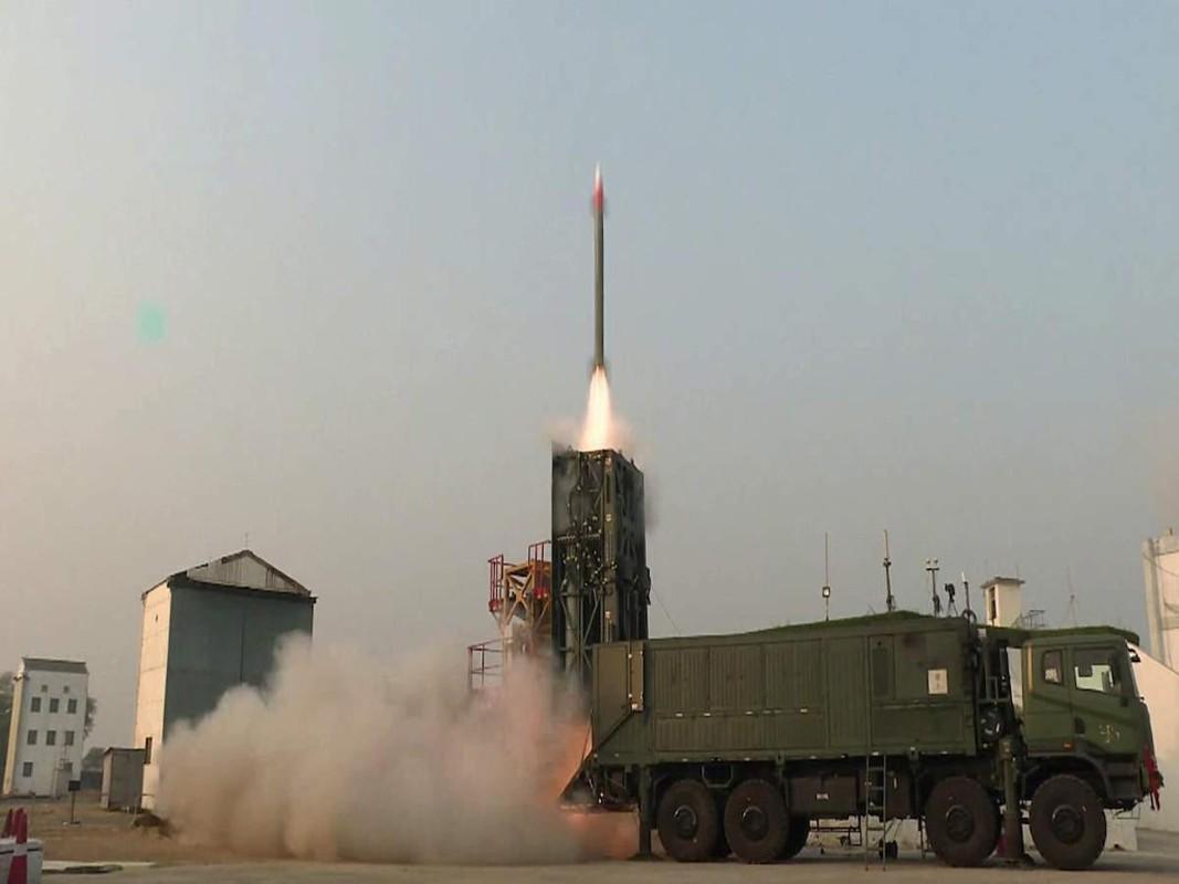 Israel tung bang chung Barak-8 ban ha thanh cong Iskander-E-Hinh-7