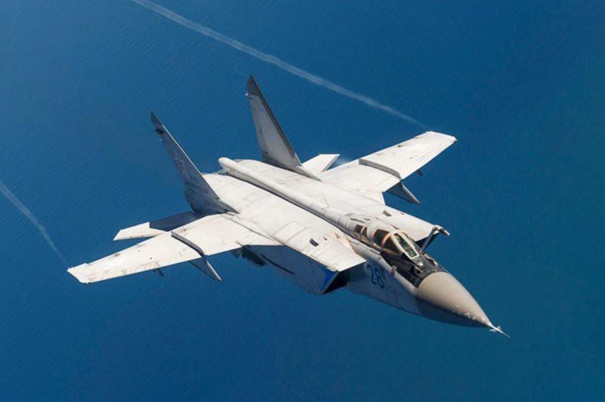 Chuyen gia Nga giai thich tai sao doi phuong phai rut lui khi gap MiG-31-Hinh-11