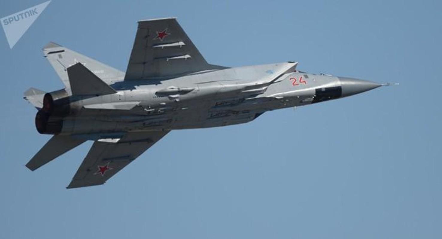 Chuyen gia Nga giai thich tai sao doi phuong phai rut lui khi gap MiG-31-Hinh-13