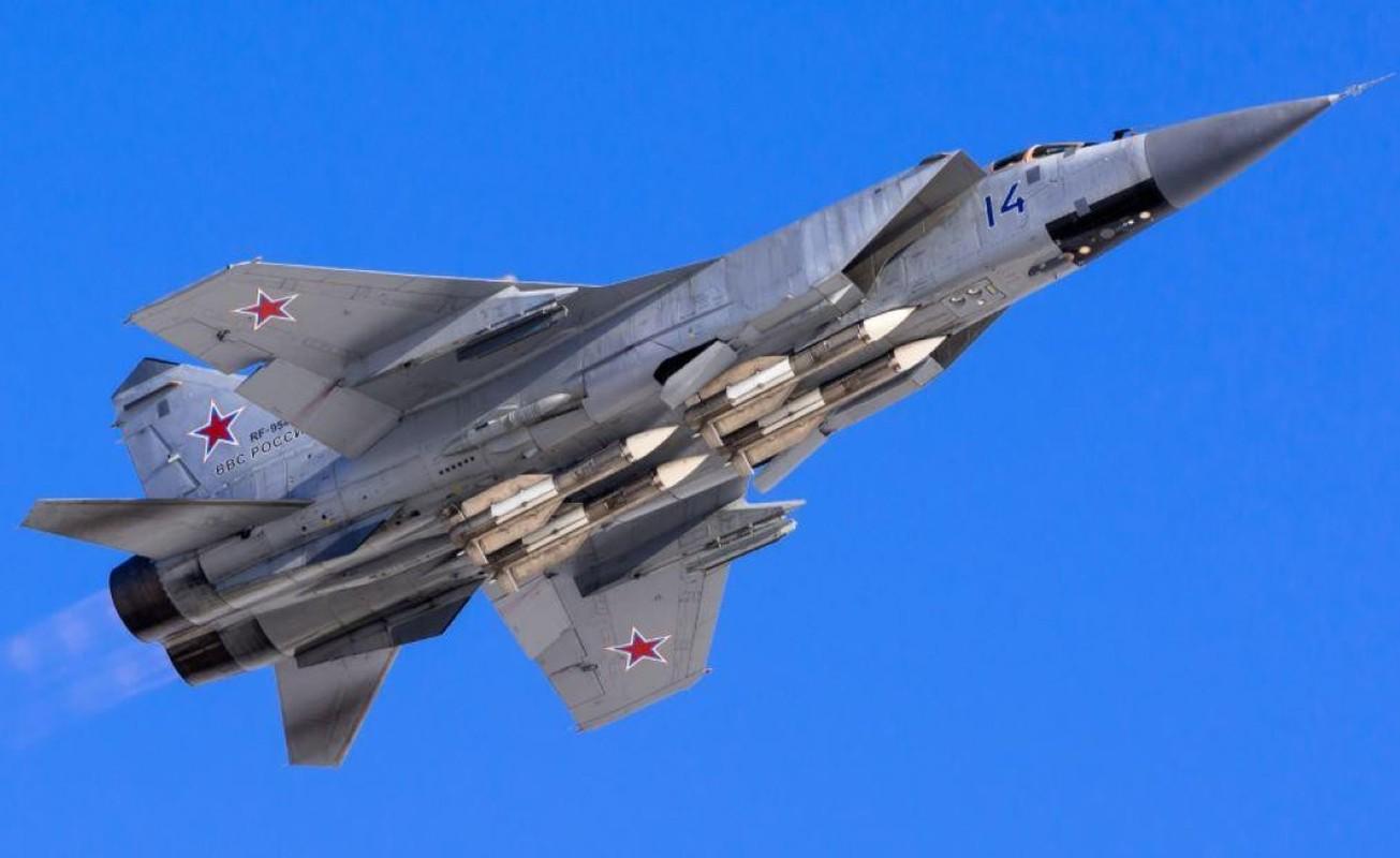 Chuyen gia Nga giai thich tai sao doi phuong phai rut lui khi gap MiG-31-Hinh-14