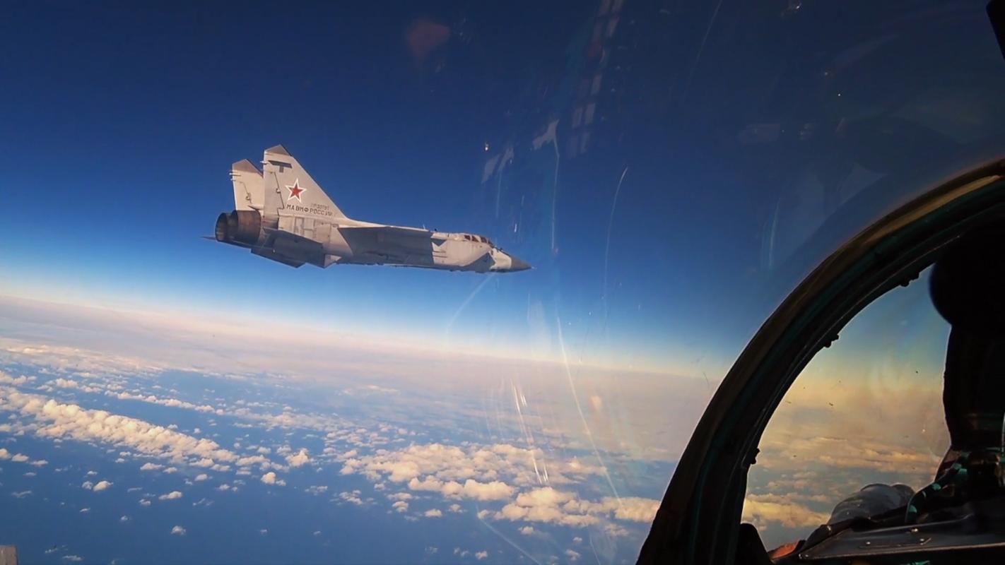 Chuyen gia Nga giai thich tai sao doi phuong phai rut lui khi gap MiG-31-Hinh-4