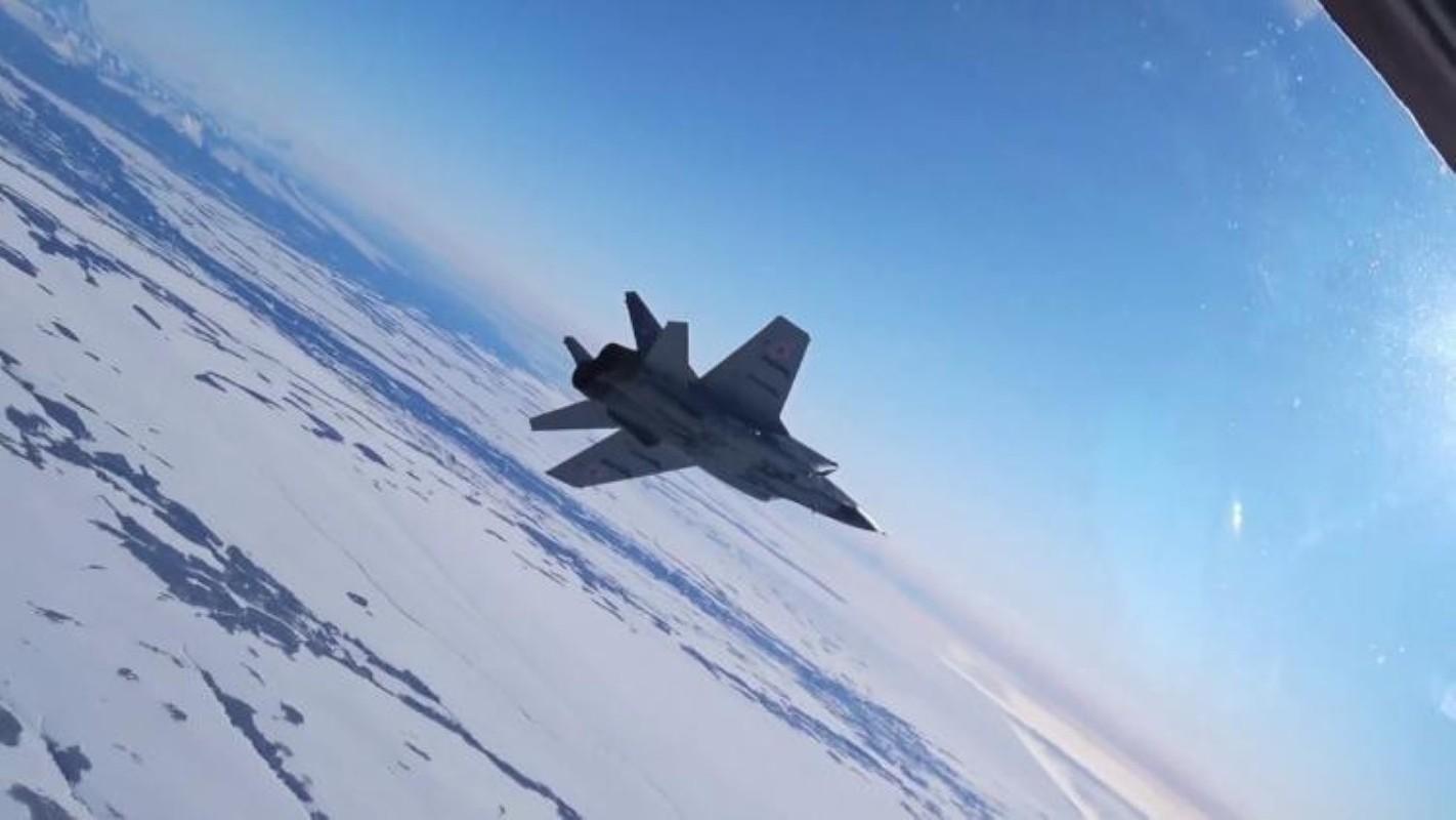 Chuyen gia Nga giai thich tai sao doi phuong phai rut lui khi gap MiG-31-Hinh-5