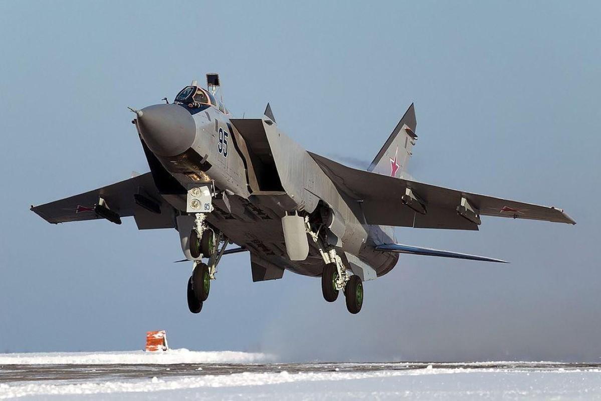 Chuyen gia Nga giai thich tai sao doi phuong phai rut lui khi gap MiG-31-Hinh-7