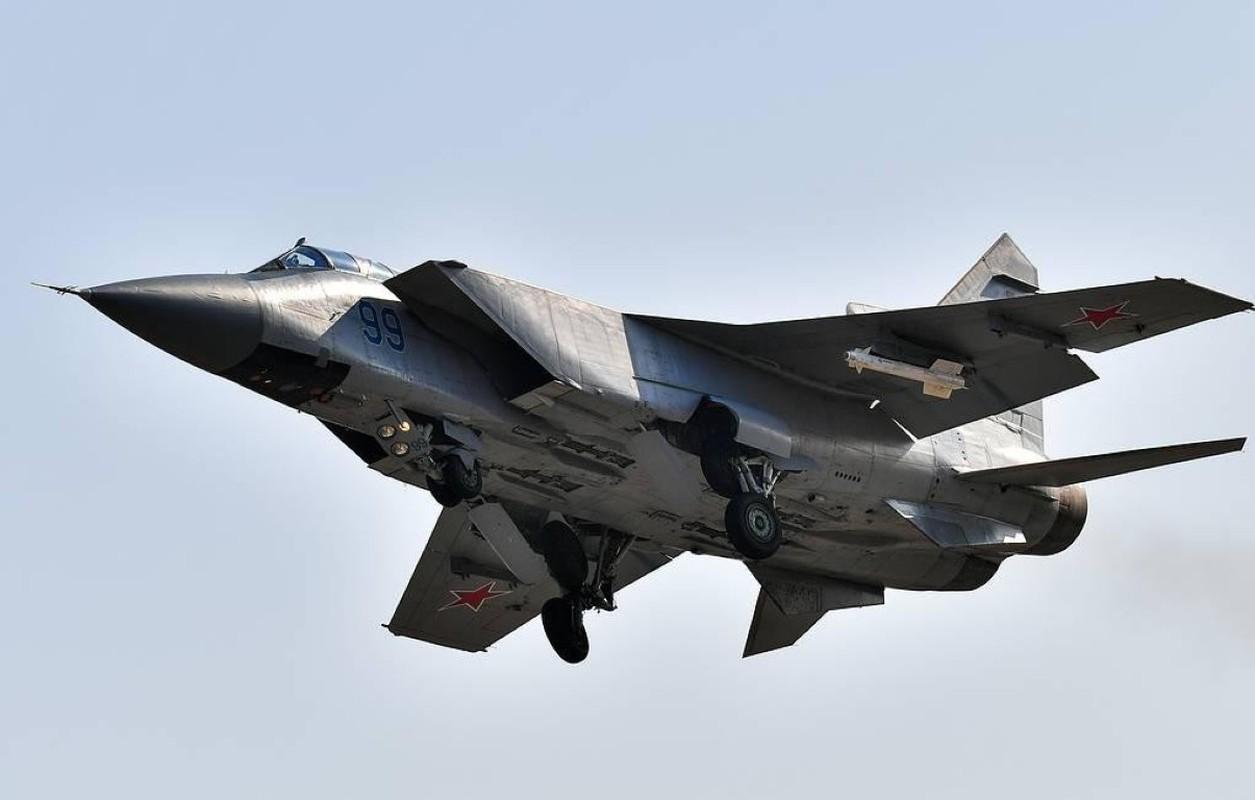 Chuyen gia Nga giai thich tai sao doi phuong phai rut lui khi gap MiG-31-Hinh-9