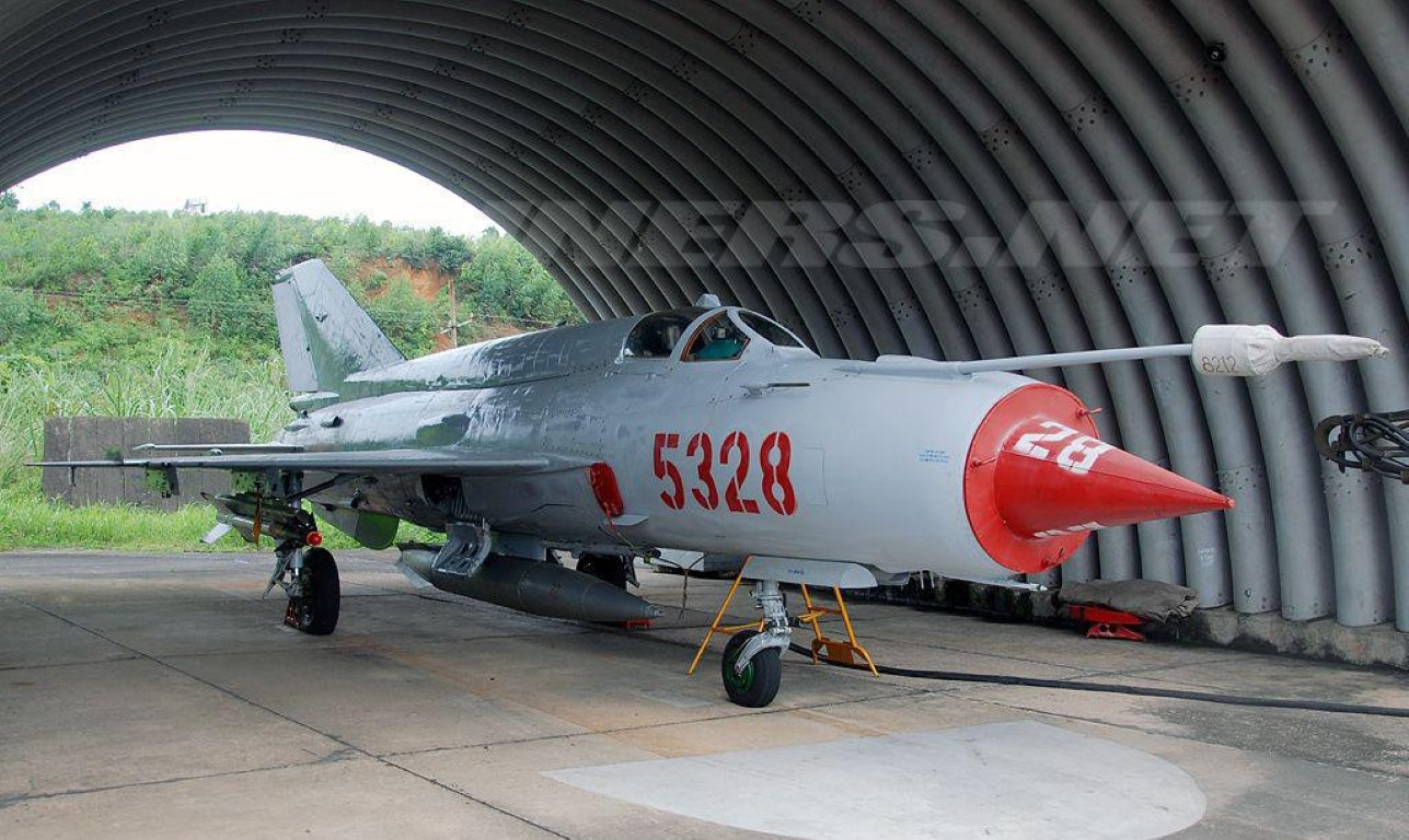 Viet Nam tung bien che phien ban MiG-21Bis manh ngang F-16-Hinh-4