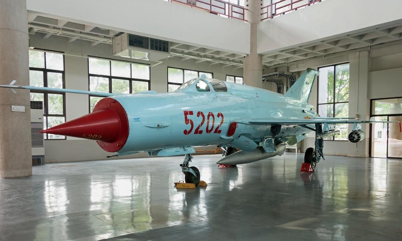 Viet Nam tung bien che phien ban MiG-21Bis manh ngang F-16-Hinh-6