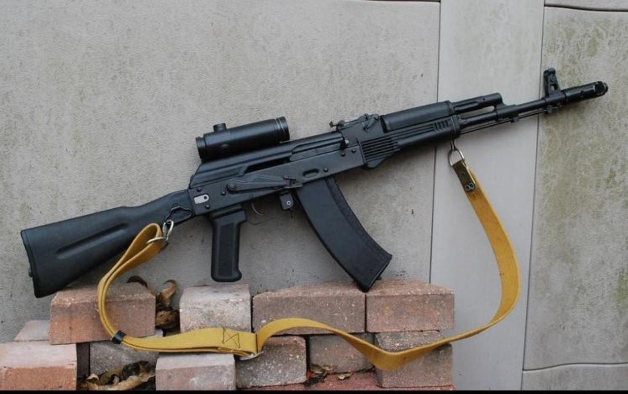 Ly khai Ukraine bat ngo co sung truong tan cong AK-103-Hinh-10