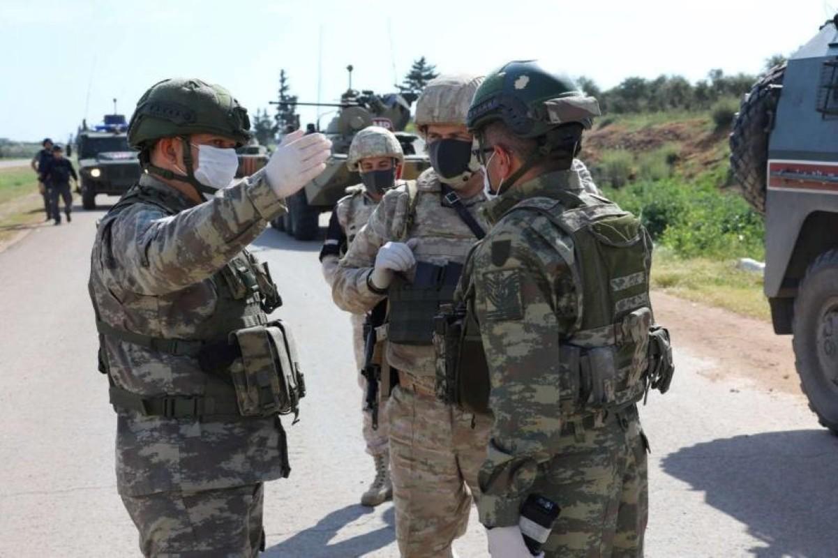 Truyen thong Syria xac nhan hai linh Nga thiet mang-Hinh-3