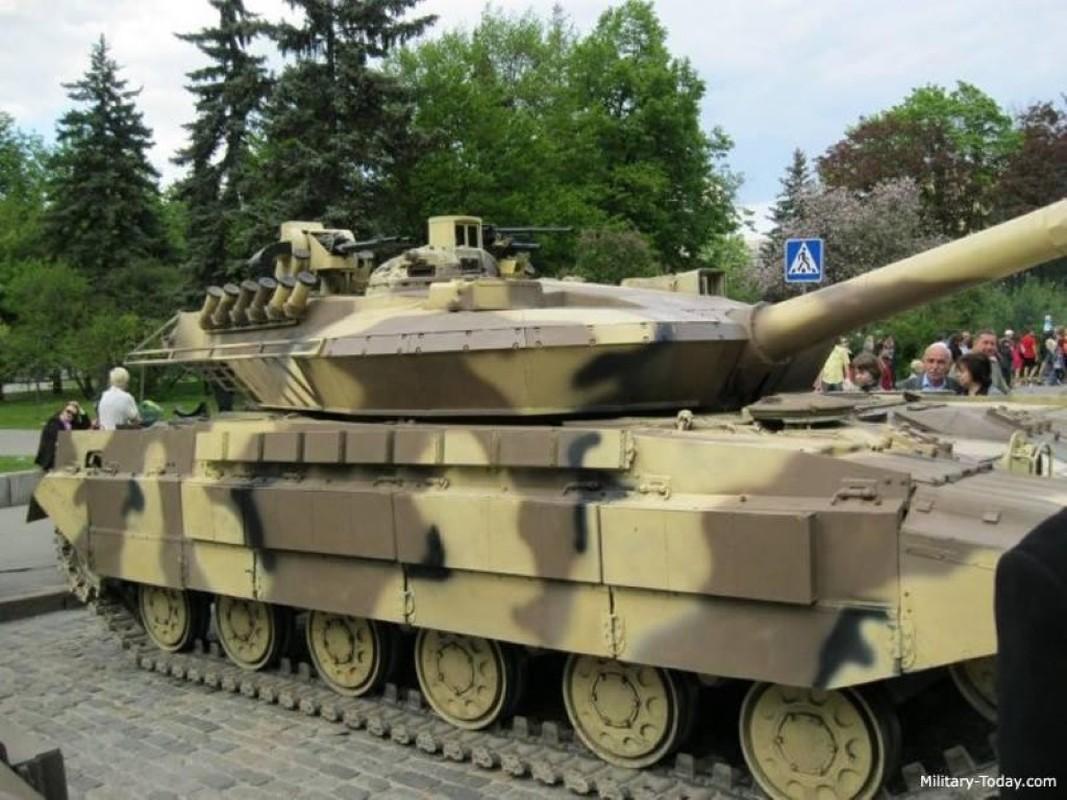 Xe tang T-64E Ukraine thanh ke huy diet nho phao tu dong 2 nong cuc manh-Hinh-5