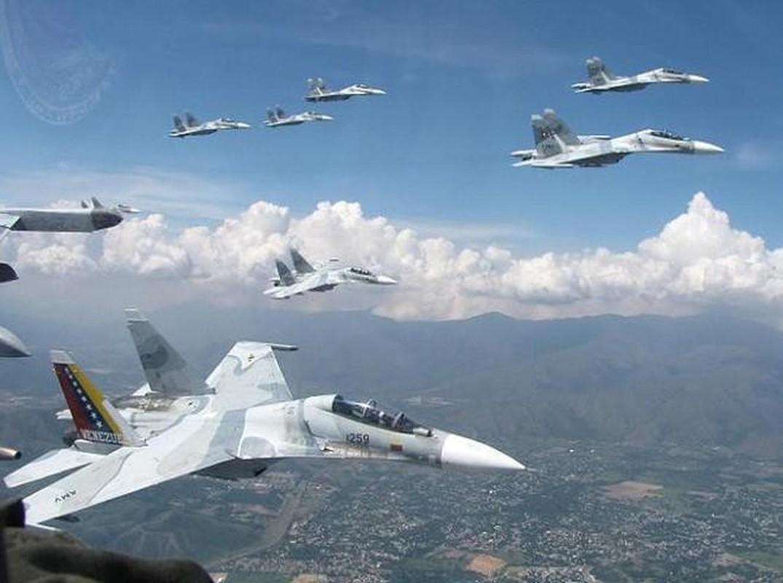 Vi sao Su-30MK2 Venezuela phai 'nam dat' hang loat khi con rat moi?-Hinh-11