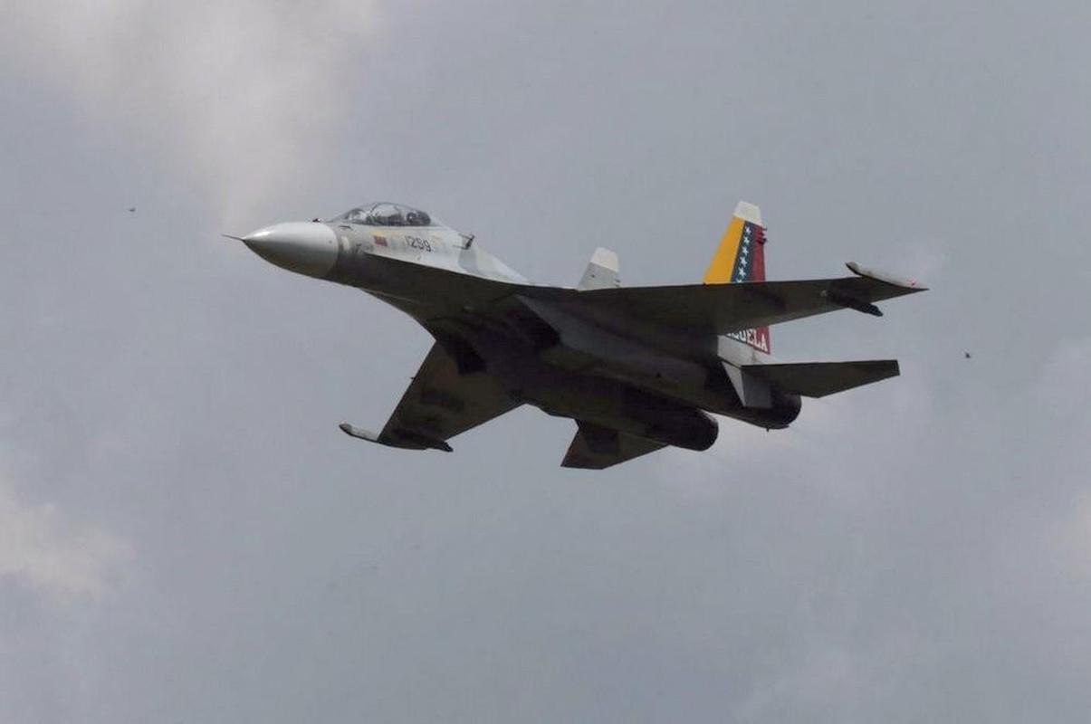 Vi sao Su-30MK2 Venezuela phai 'nam dat' hang loat khi con rat moi?-Hinh-13