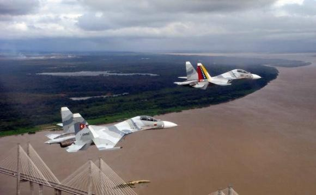 Vi sao Su-30MK2 Venezuela phai 'nam dat' hang loat khi con rat moi?-Hinh-8
