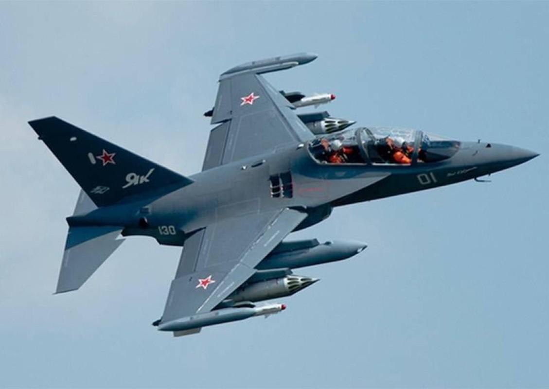 Hai quan Nga nhan hang loat Yak-130 de 'don' sieu tau san bay tuong lai?-Hinh-11