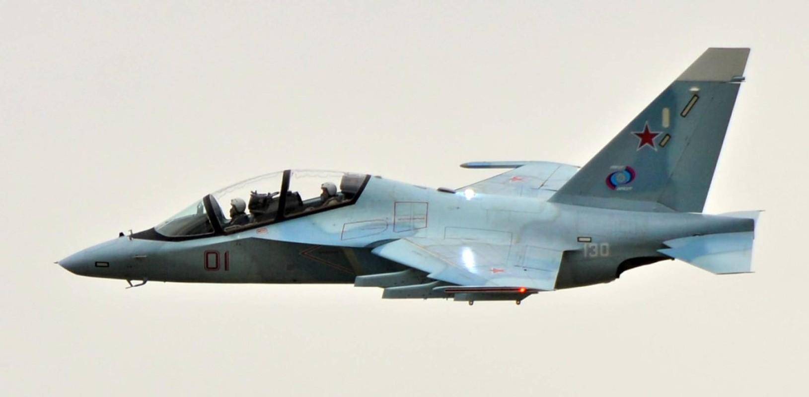 Hai quan Nga nhan hang loat Yak-130 de 'don' sieu tau san bay tuong lai?-Hinh-12