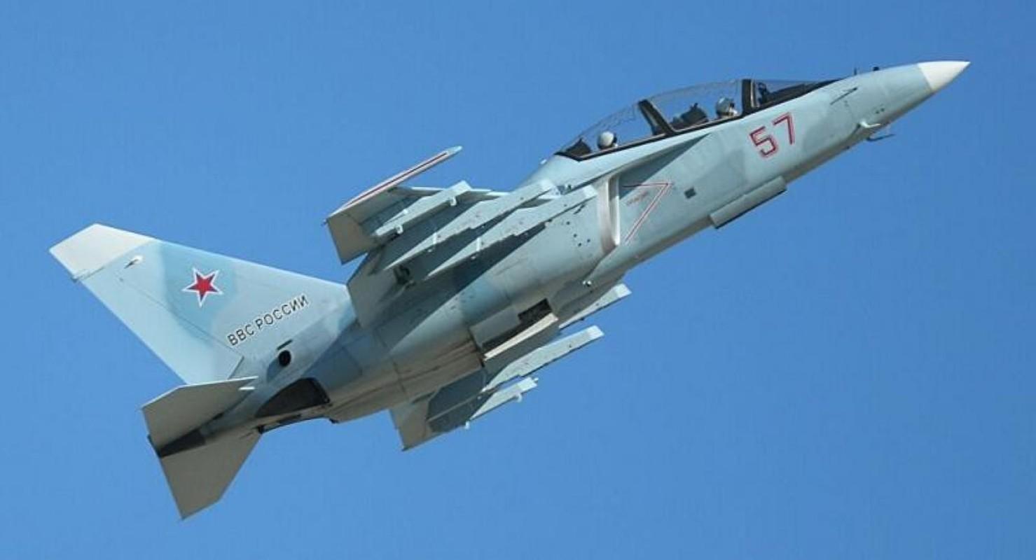 Hai quan Nga nhan hang loat Yak-130 de 'don' sieu tau san bay tuong lai?-Hinh-3