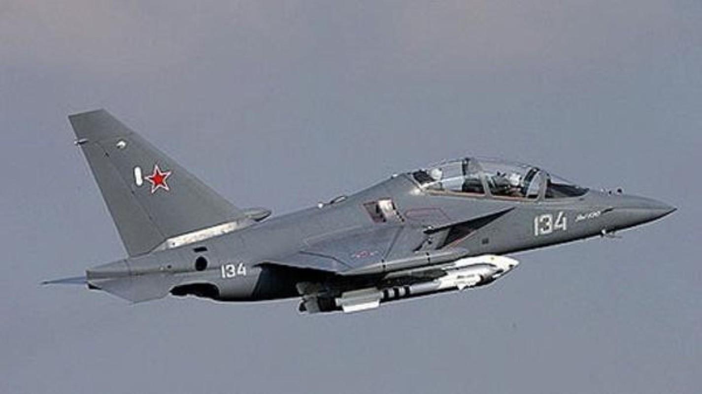 Hai quan Nga nhan hang loat Yak-130 de 'don' sieu tau san bay tuong lai?-Hinh-5