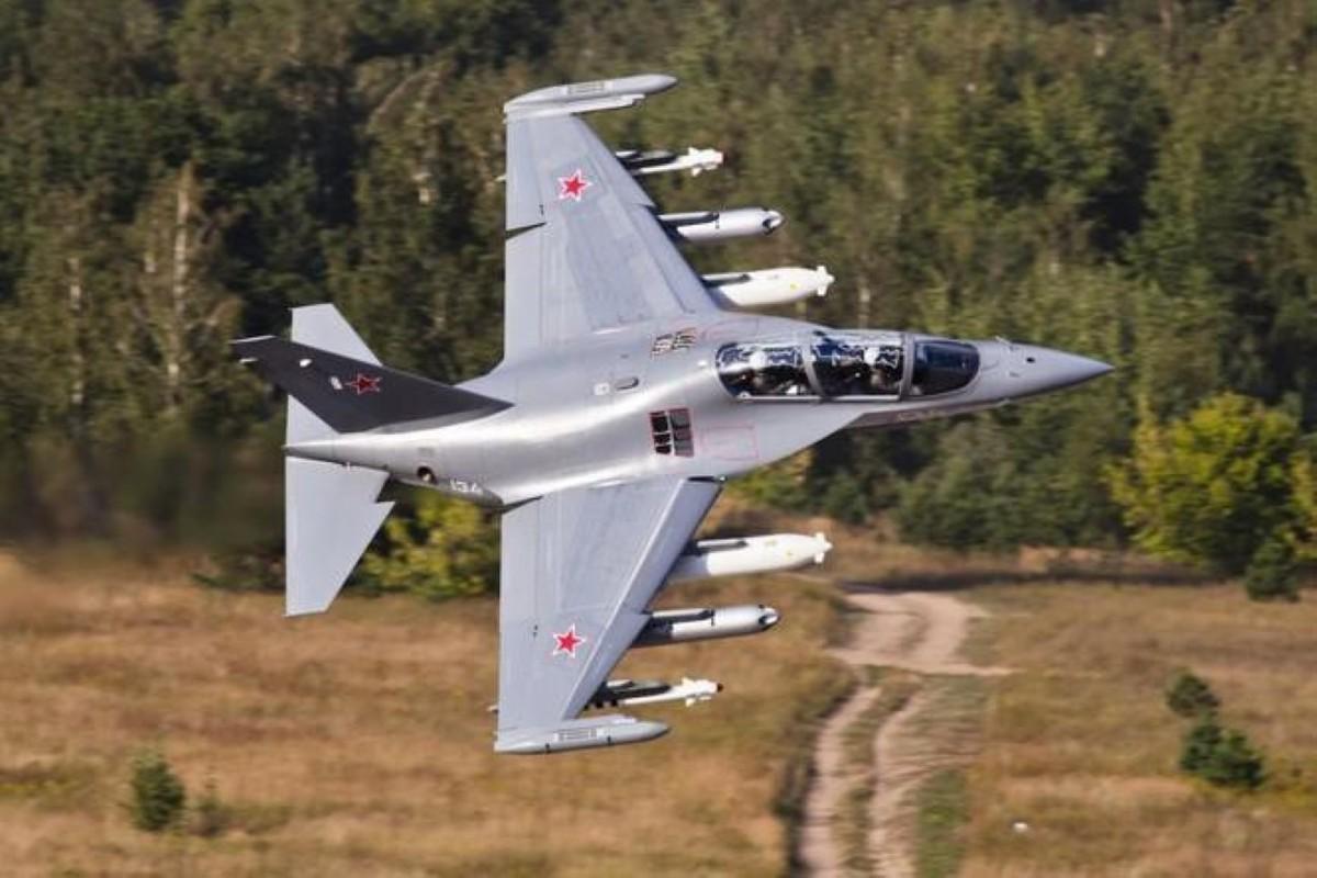 Hai quan Nga nhan hang loat Yak-130 de 'don' sieu tau san bay tuong lai?-Hinh-6