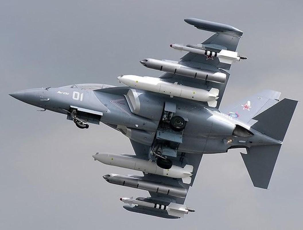 Hai quan Nga nhan hang loat Yak-130 de 'don' sieu tau san bay tuong lai?-Hinh-7