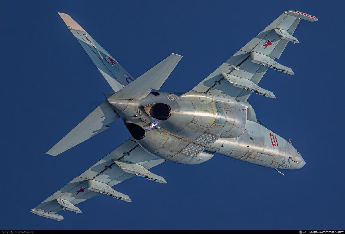 Hai quan Nga nhan hang loat Yak-130 de 'don' sieu tau san bay tuong lai?-Hinh-8