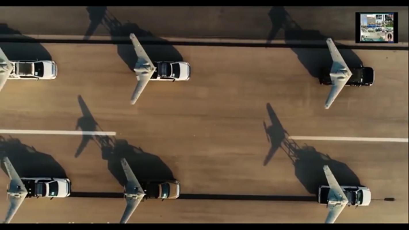 UAV Iran bay tren dau quay phim, tau san bay My khong hay biet-Hinh-6