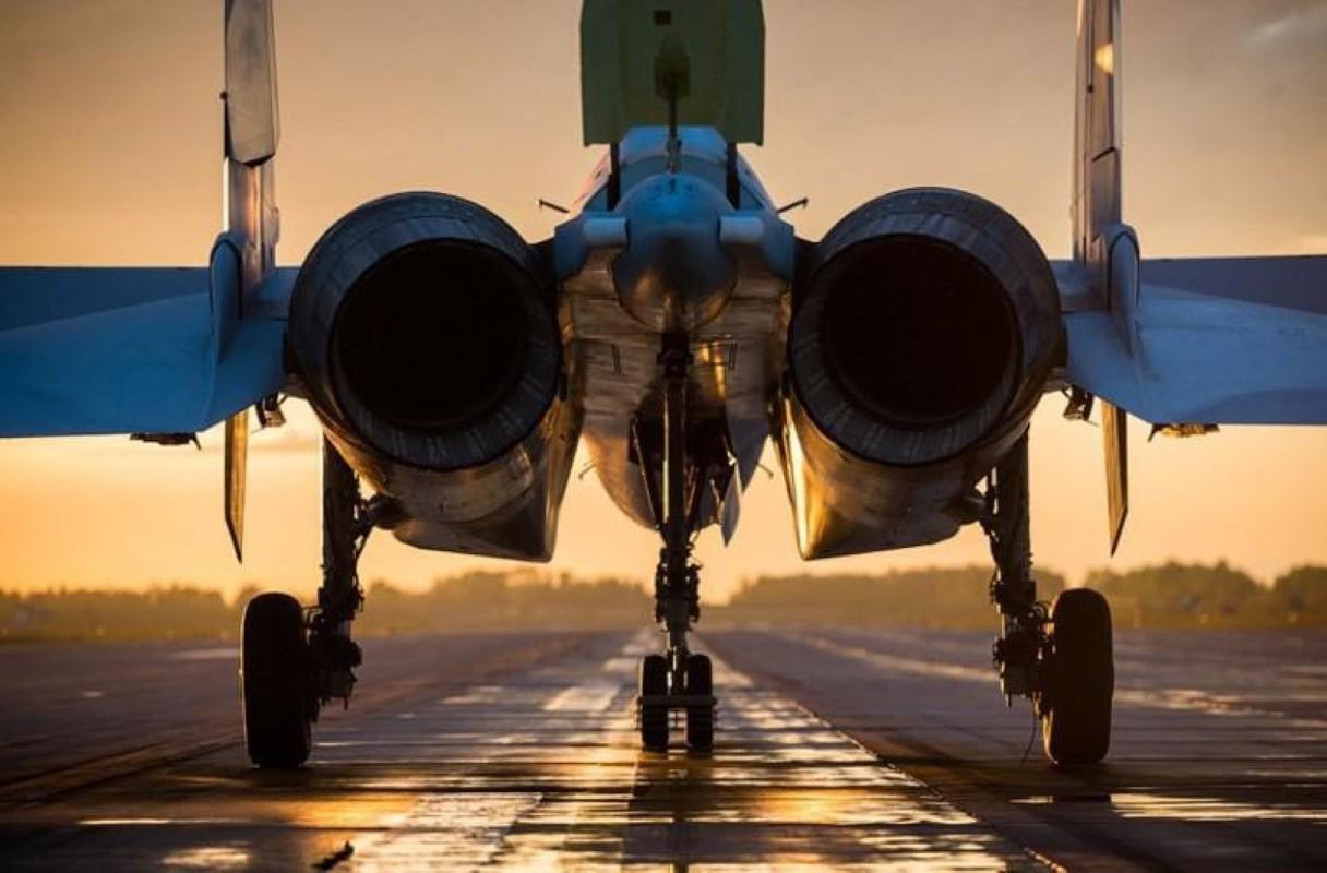 Hang loat Su-30SM cua Nga san sang o bien gioi-Hinh-8